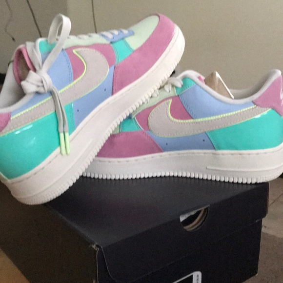 "newest a2545 b50cd Limited edition 2018 ""Easter"" Air Force 1 s. NWT. Nike"